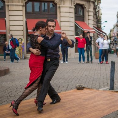 Couple dancing in the streets of Argentina
